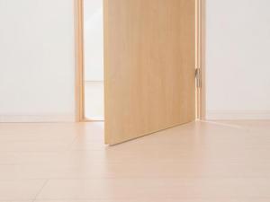 ディアウォールで2×4柱の扉を作るときの注意点